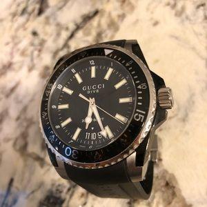 5dc5e795e54 Gucci Pantcaon Watch Swiss Made Price
